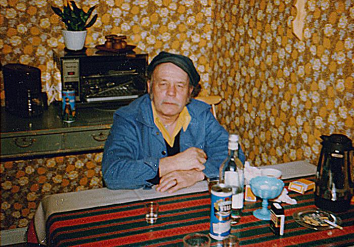 04-Lill-arne-fraan-gaaxsjoe.-kompis-med-pappa-boerjan-av-80talet.jpg
