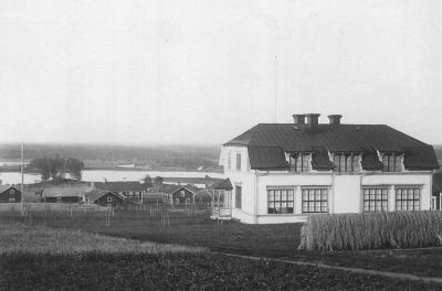 17 skolhus 1906.